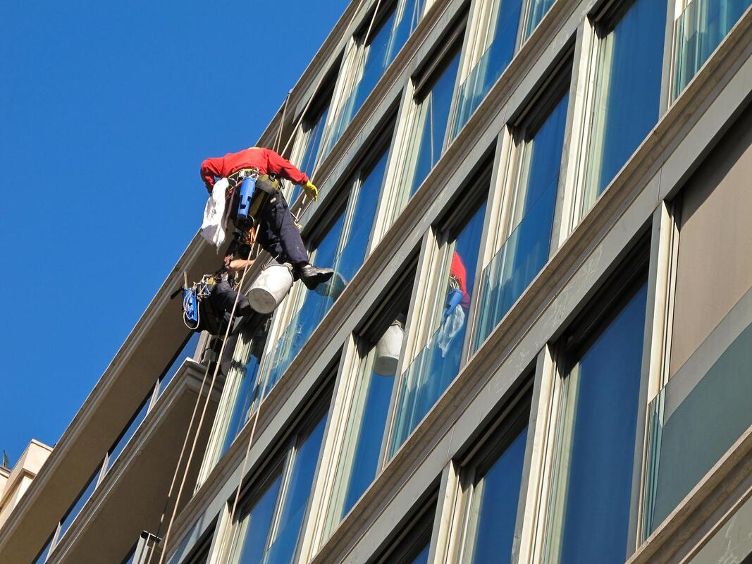 office commercial window cleaning